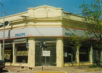 Tienda Los Vascos(Avellaneda esq. Sarmiento, hoy Casa Giúdice)