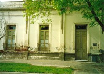 Escuela N° 1Martínez Ituño 227, esq. Sarmiento, hoy EEM N°1 e ISFD N° 59)